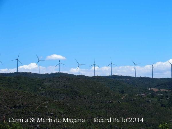 Vistes des del camí a Església de Sant Martí de Maçana – Rubió.