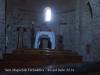 Església de Sant Miquel de Terradelles – Santa Maria de Merlès - Fotografia de l\'interior del temple, obtinguda introduint l\'objectiu de la càmera de fotos a través de la petita obertura rodona que hi ha a la porta d\'entrada