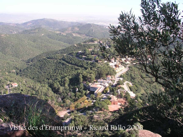 Vistes del Baix Llobregat des del castell d'Eramprunyà