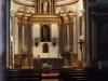 Església de Sant Miquel Sacot – Santa Pau - Aquesta foto i alguna altra l'hem obtingut posant l'objectiu de la màquina de retratar per entre mig dels barrots de la petita finestra de la porta d'entrada ...