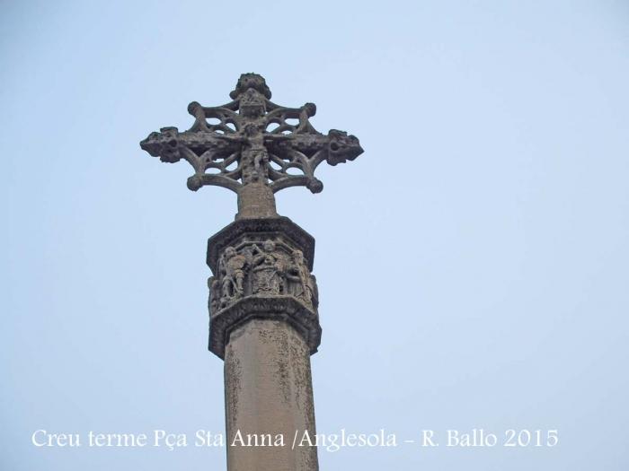 Anglesola - Creu de terme de la Plaça de Santa Anna