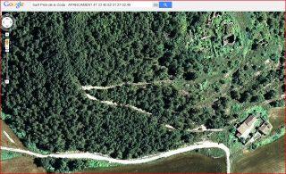 Església de Sant Pere de la Goda – Argençola - Captura de pantalla de Google Maps, complementada amb anotacions manuals. Aquí veiem el lloc on hem aparcat. A sobre, a l'esquerra es ben evident la pista de muntanya que ens mena a les restes de l'església.