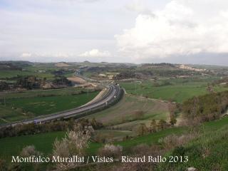Vistes des de Montfalcó Murallat. El vial que es veu és la carretera C-25.