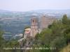 Vistes de l\'església de Sant Pere del castell–A la dreta, el castell de Gelida
