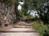 Escales d\'accés a l\'església de Sant Pere del castell i també al castell de Gelida