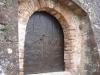 Església de Sant Pere del castell–Gelida-Una altra porta d\'entrada.
