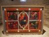 Església de Sant Sadurní de Rotgers - Borredà - Reproducció del frontal d'altar, del segle XIII,  que es conserva en el Museu Episcopal de Vic (MEV) - Representa la figura del Pantocràtor voltat pels símbols animalístics dels evangelistes i, a cada costat, escenes de la vida i el martiri de sant Sadurní.