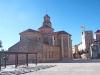 Església de Santa Caterina - Vinyols i els Arcs - A la dreta de la fotografia, presidida per una senyera, veiem la Torre de Vinyols i els Arcs