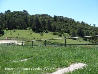 Església de Santa Cecília d'Odèn – Odèn - Entorn