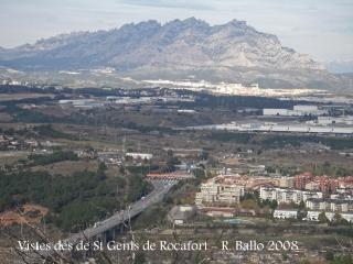Vistes de Martorell, en primer terme i de la muntanya de Montserrat al fons, des de les restes de l'Església de Santa Margarida del Priorat de Sant Genís de Rocafort.