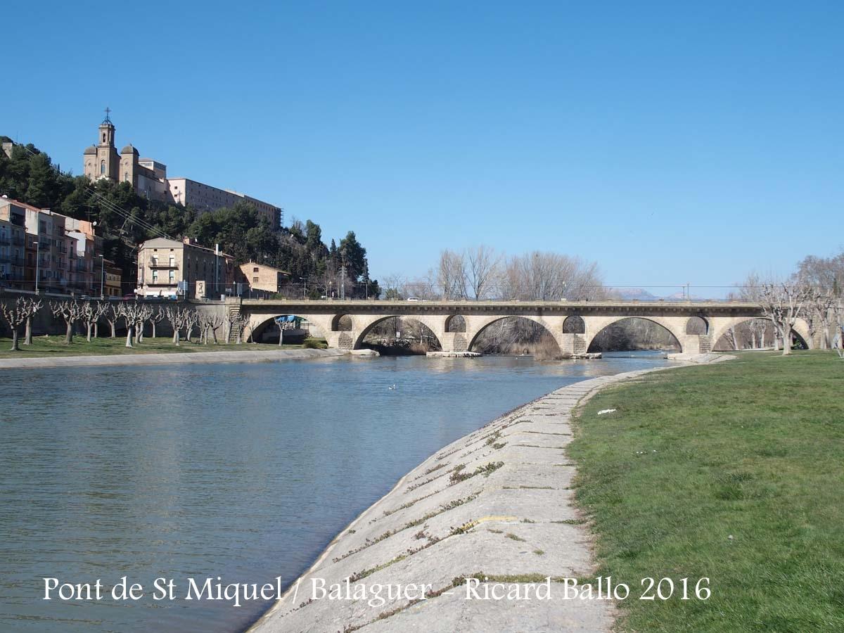Balaguer - Riu Segre - A l'esquerra de la fotografia, al fons, apareix el Santuari del Sant Crist