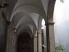 Església de Santa Maria de l'Alba – Manresa - Claustre de la Seu construït al segle XVIII, d'estil neoclàssic, en substitució d'un d'anterior possiblement gòtic.