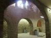 """Església de Santa Maria de l'Alba - Per sota del lloc que ocupen les restes del claustre romànic, s'han recuperat recentment unes estances subterrànies, que han estat alliberades de la terra que les encegava. Si bé, potser formalment, no constitueixen un """"museu"""", hi ha una petita col·lecció d'interessants peces antigues."""