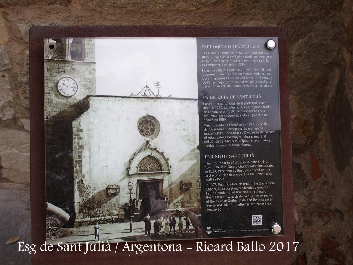 Església parroquial de Sant Julià– Argentona - Plafó informatiu situat al davant de l'església