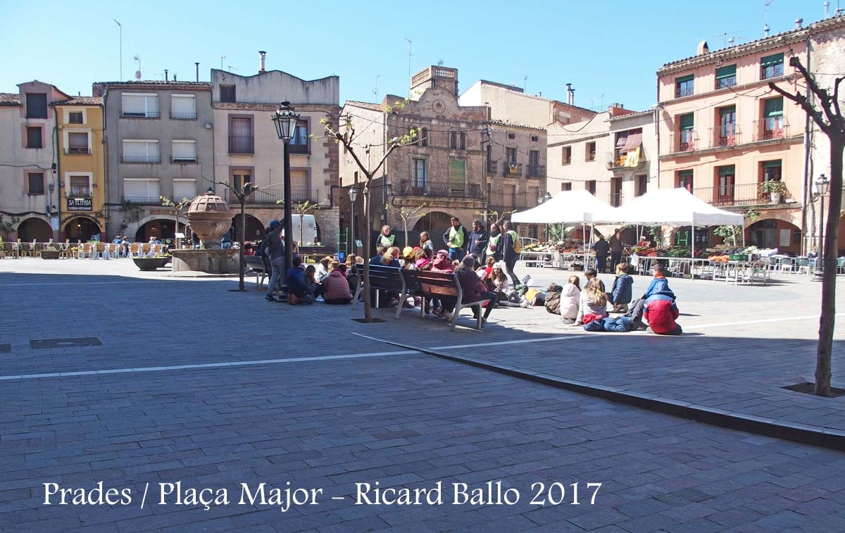 Prades - Plaça Major