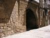 Muralles d'Arnes - Tres imatges d'un mateix portal, un portal doble: 2/3