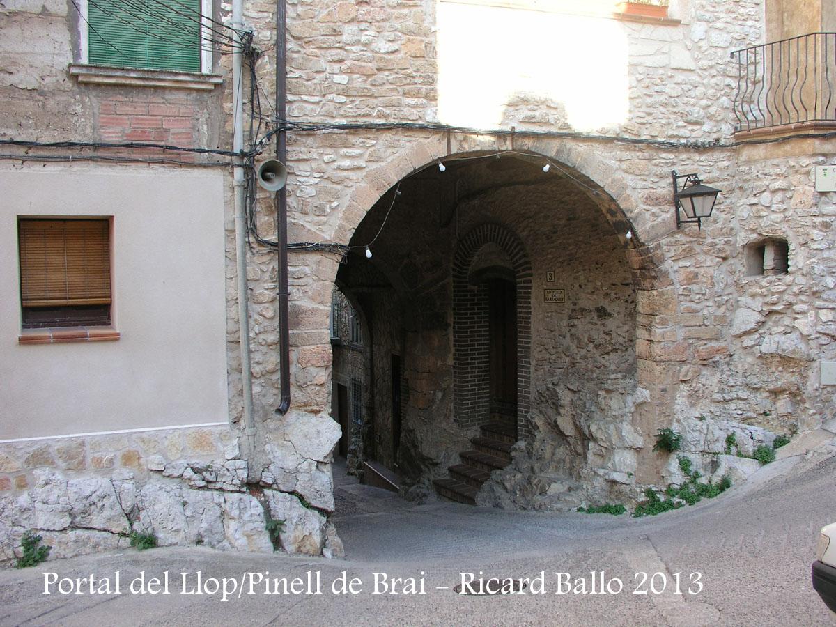 Pinell de Brai: Portal del llop