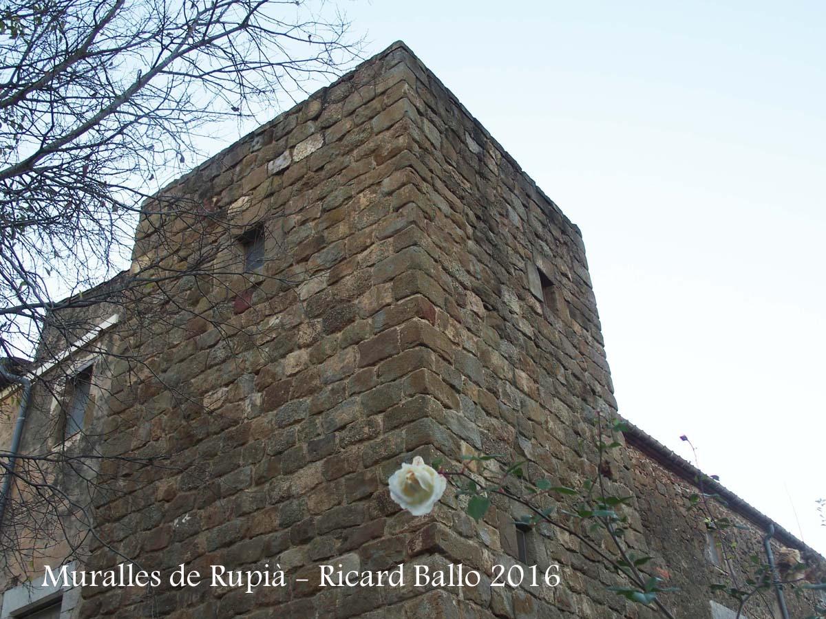 Muralles de Rupià
