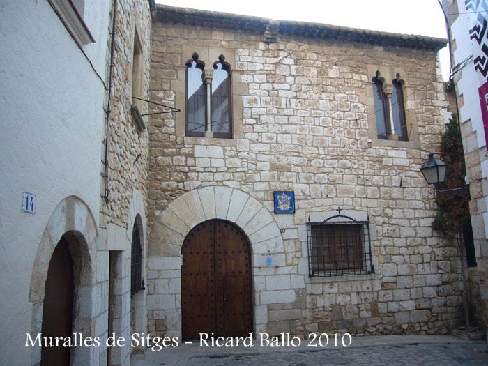 sitges-carrer-den-bosc-palau-del-rei-moro-101210_501