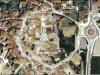 Ullastret. Vista aèria de l'antic recinte clos de la població. Google Maps.
