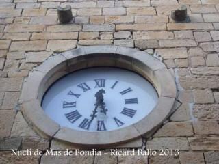 Nucli de Mas de Bondia – Montornès de Segarra - Rellotge que hi ha a la façana de l'església parroquial de Sant Bartomeu.