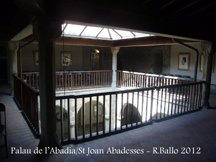 st-joan-de-les-abadesses-palau-de-labadia-120421_501