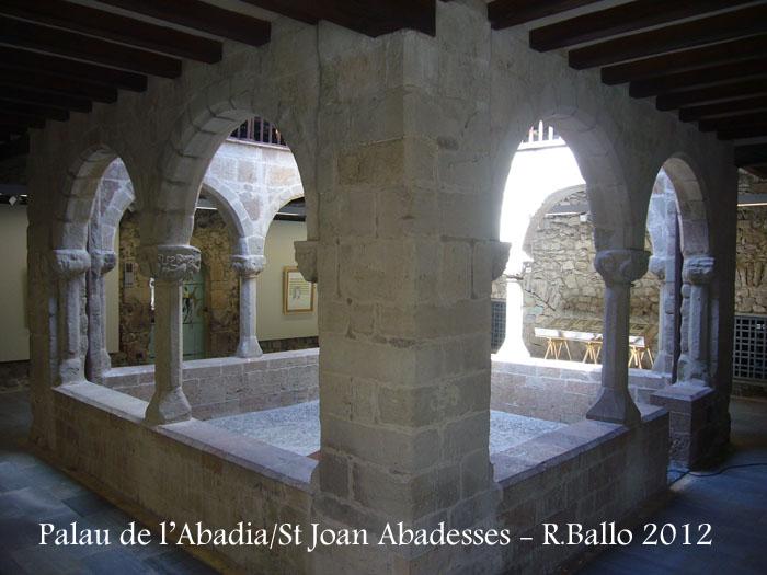 st-joan-de-les-abadesses-palau-de-labadia-120421_503