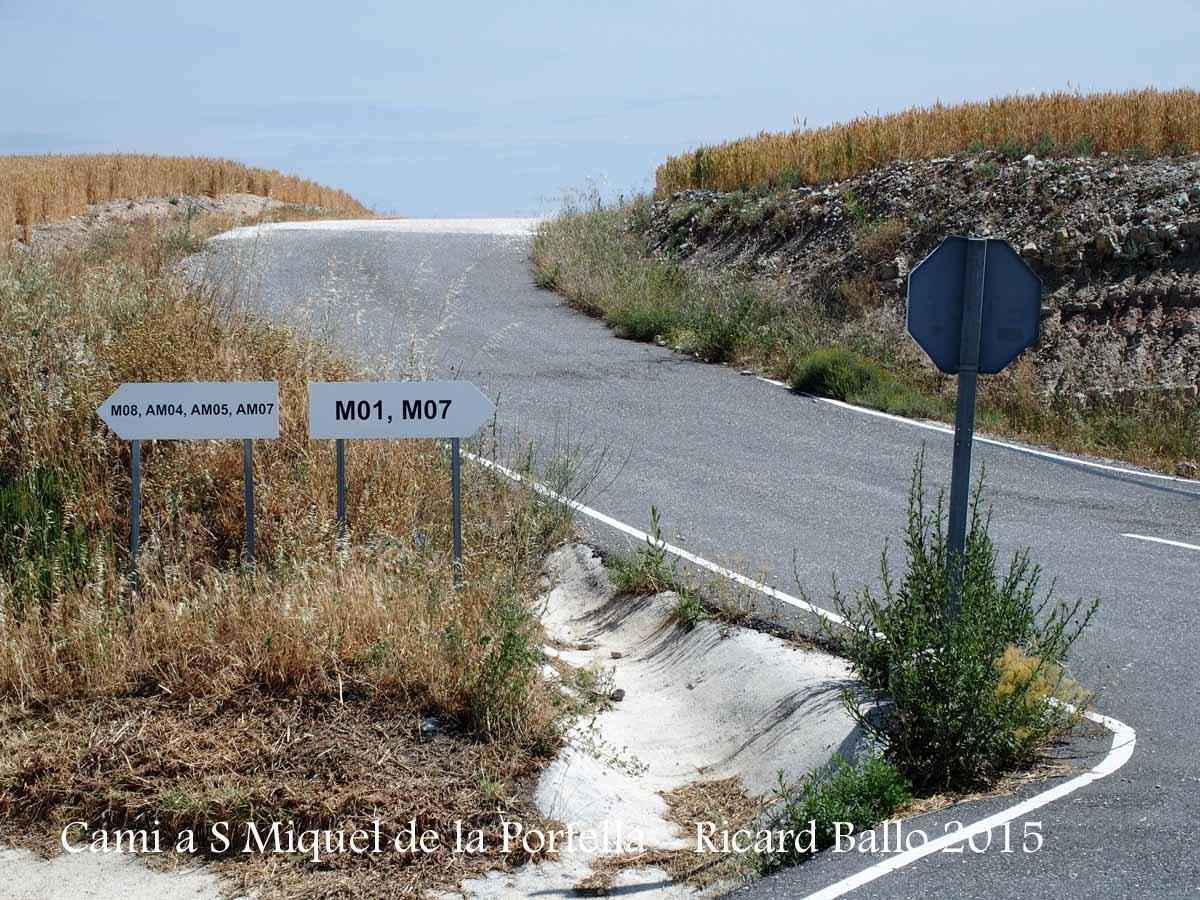 Itinerari d'accés a l'església de Sant Miquel de la Portella - DETALL - Part inicial - Sortida de la carretera T-221