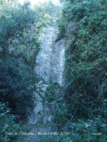 Pont de l'Arcada – Olesa de Bonesvalls - Cascada