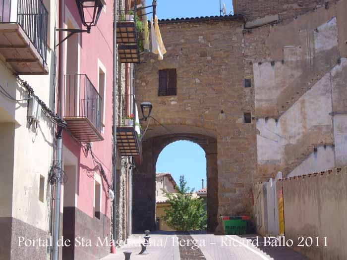 Portal de Santa Magdalena - Berga