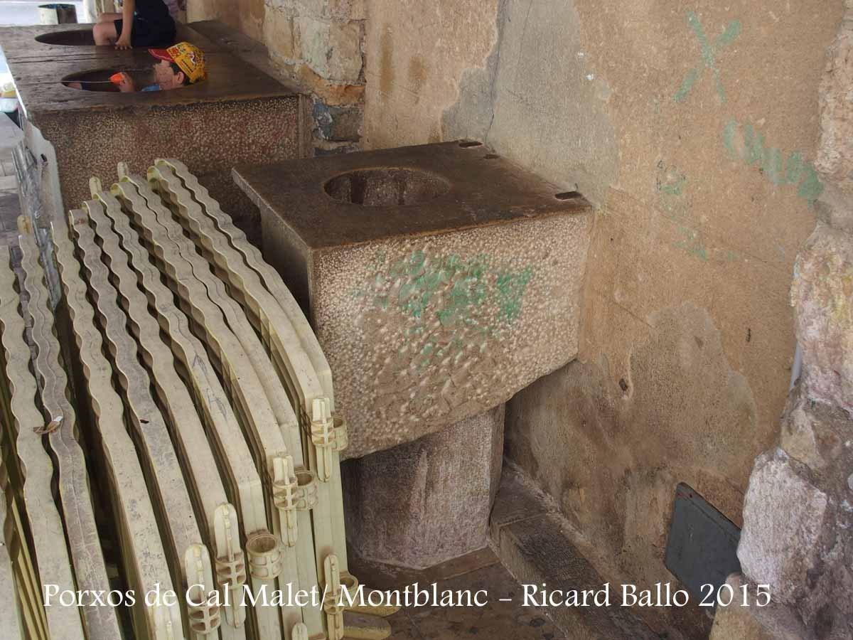 Porxos de Cal Malet – Montblanc- Vista de les antigues mesures oficials de la vila.