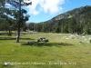 Refugi Font de les Pollineres - En aquest lloc és on hi ha una extensa zona de pícnic, amb bancs i taules de pedra i barbacoes.