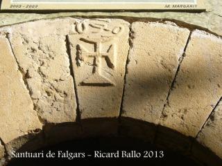 Santuari de Falgars - La Pobla de Lillet - Portalada d'accés - Clau de volta