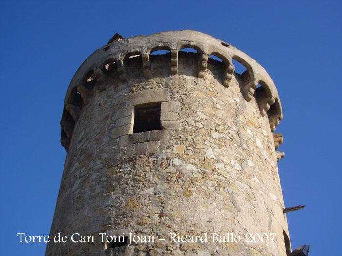 torre-de-la-masia-de-can-toni-joan-tordera_071201_508
