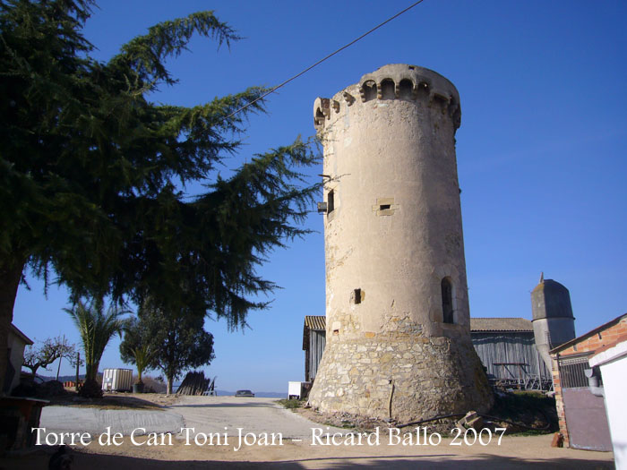 torre-de-la-masia-de-can-toni-joan-tordera_071201_518