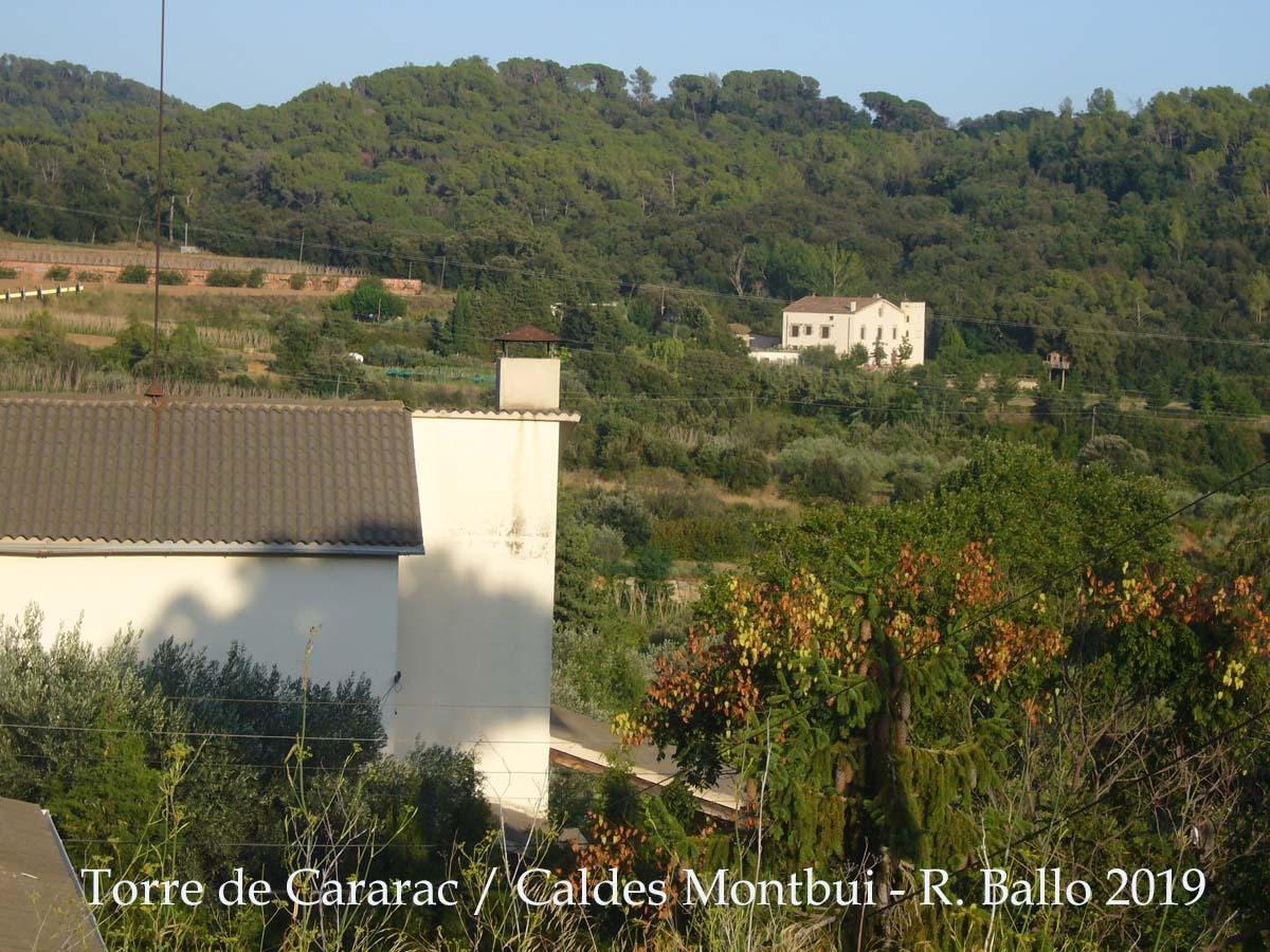 Al fons de la fotografia, a la dreta apareix la Torre de Cararac – Caldes de Montbui
