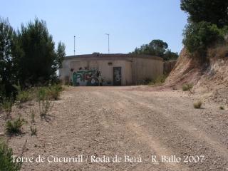 Torre de Cucurull - Dipòsit d'aigua des d'on iniciem el camí a peu.