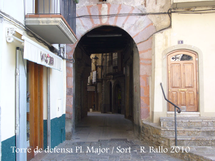 torre-de-defensa-de-la-pl-major-sort-100904_503