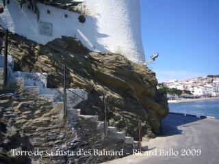 Torre de sa fusta d'es Baluard - La torre està construïda sobre la roca viva.