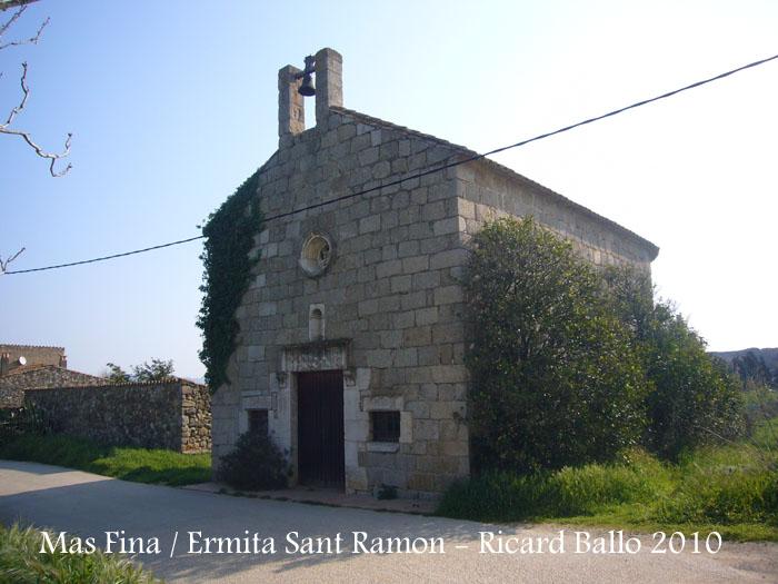 Mas Fina - ermita de Sant Ramon.