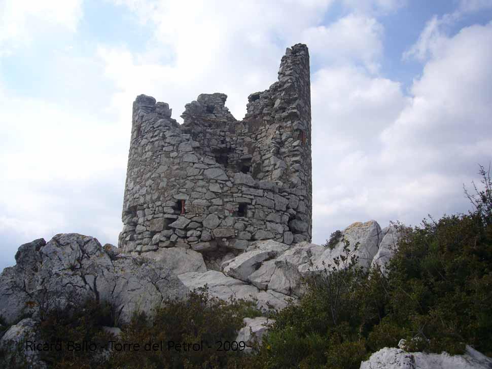 torre-del-petrol-090425_547