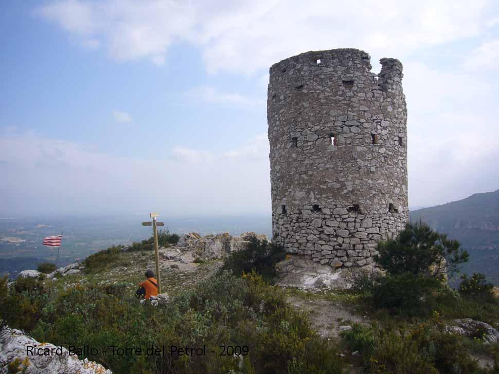torre-del-petrol-090425_550