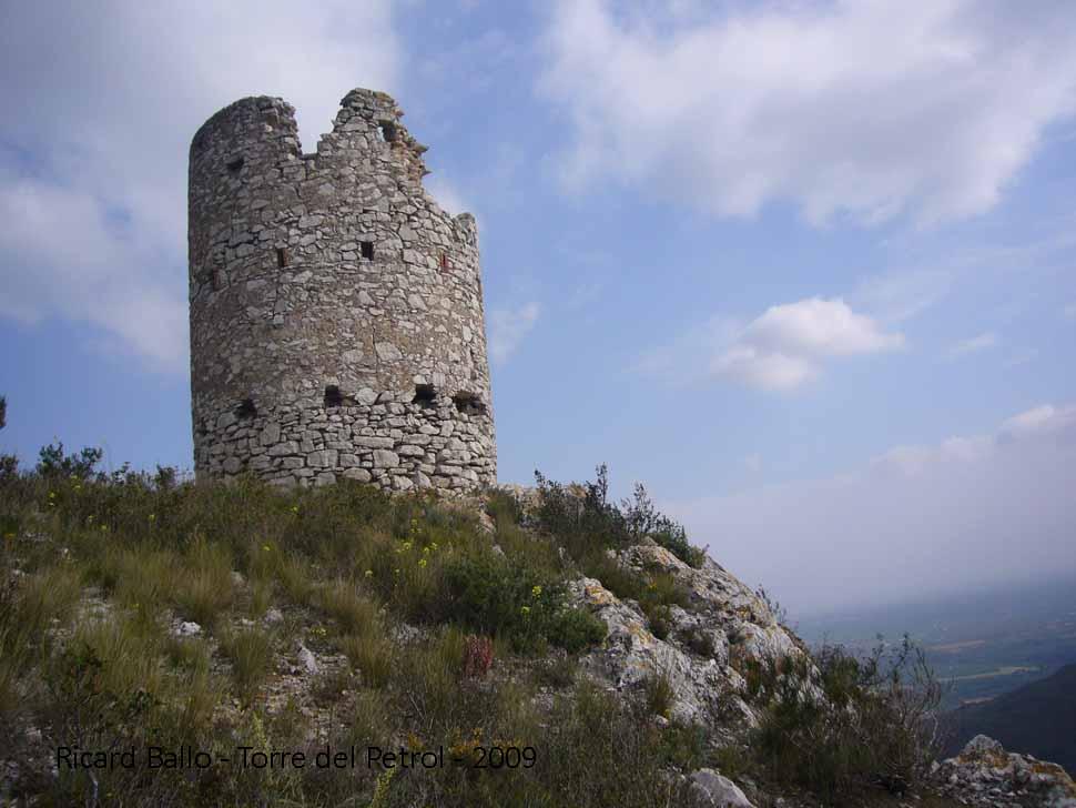 torre-del-petrol-090425_556