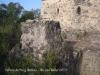 Torres de Puig Ardina – Riudarenes - En primer terme veiem la pilastra que sostenia un pas elevat que permetia l\'accés a la torre.