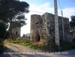 Torres del Mas de Ramon – Vila-seca. Vista de les dues edificacions, l'una al costat de l'altra.