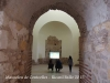 Vila romana de Centcelles – Constantí - Un parell de visitants veient un audiovisual sobre Centcelles