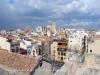 Vistes des de La Torre del Pretori, també coneguda com el Castell del Rei (Tarragona) - Al fons apareix la silueta de la Catedral de Tarragona